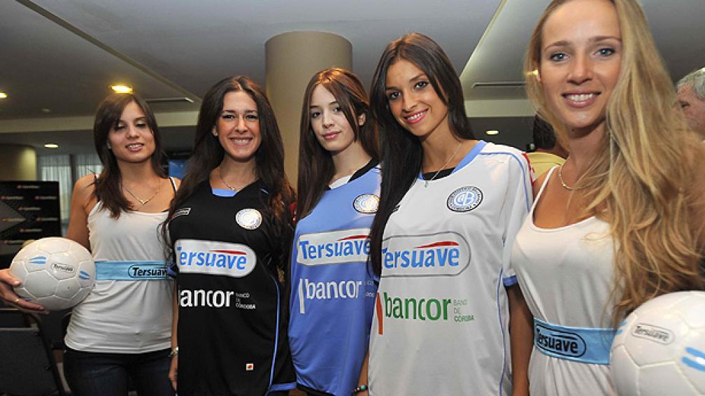 Este viernes se presentó la nueva camiseta de Belgrano. (Foto: Sergio Cejas)