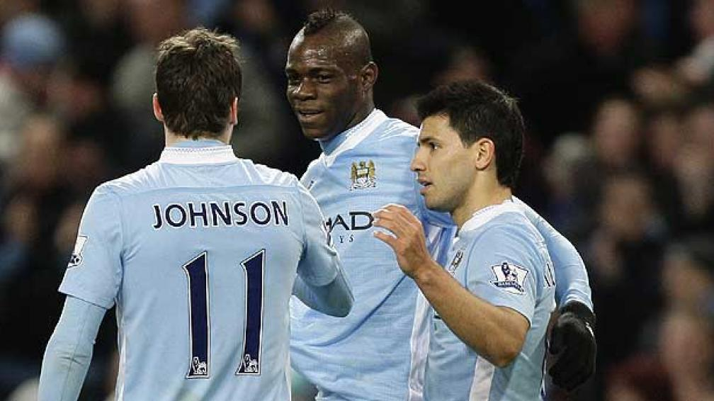 Johnson, Balotelli y Aguero, valuarte del City (Foto: AP).