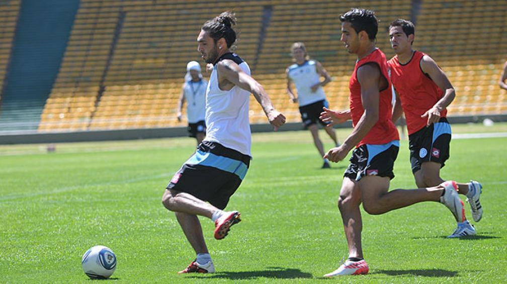 Belgrano practicó en el Kempes. Silvera fue uno de los dos delanteros y convirtió un gol (Foto: Darío Galiano).