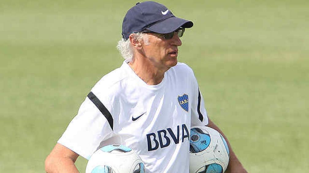 Carlos Bianchi pone a los titulares en el Boca-River que se juega en Córdoba. (Foto: Fotobaires)