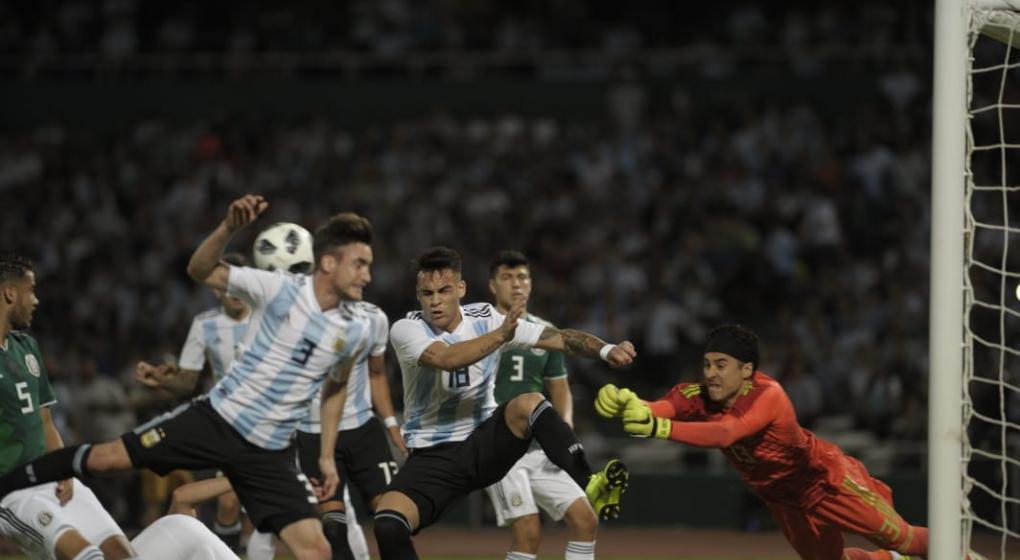 Argentina-México: Un tiempo para ganar y otro para regular