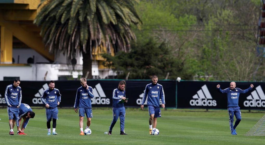 Sampaoli define hoy el equipo para enfrentar a Perú
