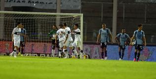 Gimnasia se puso arriba con gol de Rojas. (Foto: Pedro Castillo)