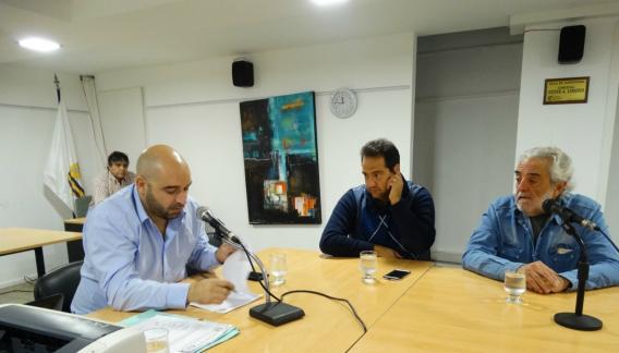 Santiago Gómez (ADN), presidente de la Comisión de Deporte; lucas Balian y Javier Lafuente (Juntos por Córdoba). (Foto: prensa Concejo Deliberante)