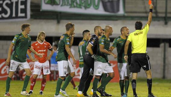 Instituto cayó ante Ferro, un rival que siempre le cuesta (Foto: La Voz).