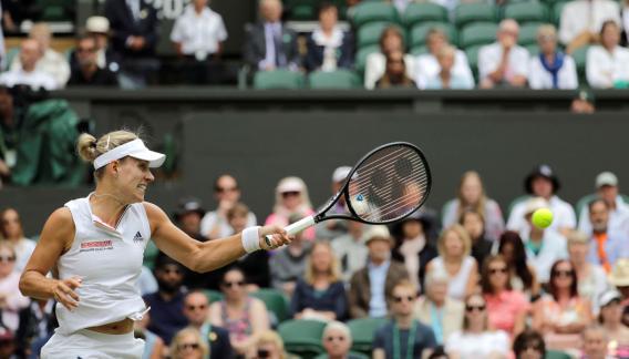 La alemana Kerber vuelve a unas semifinales en Wimbledon desde 2016. (AP)