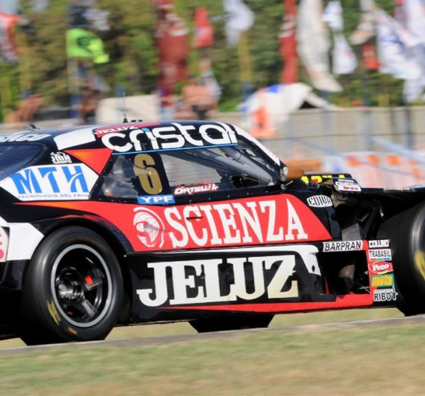 ¡Tremenda definición del TC! Rossi se fue de pista en la última vuelta y Ortelli fue campeón