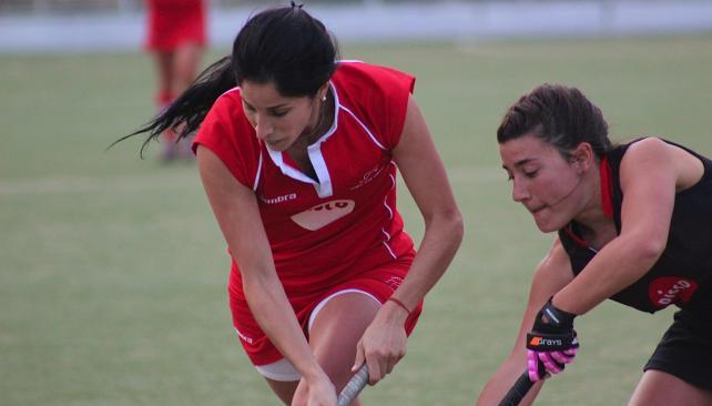 Ángeles Ortiz tuvo chances y luego abandonó el juego por una molestia. (Foto: Mundo D)