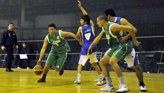 El Sub 19 de Atenas venció a Juniors en el comienzo del torneo (Foto: Martín Baez)