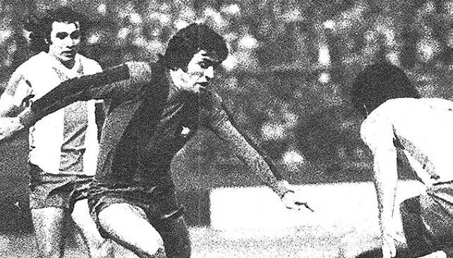 Juan Carlos Heredia, jugando con Barcelona.