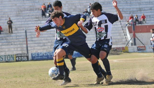 Talleres recibirá a Boca el fin de semana próximo y cerrará su participación en AFA. Si el primer equipo asciende a la B Nacional, volverá en 2011.