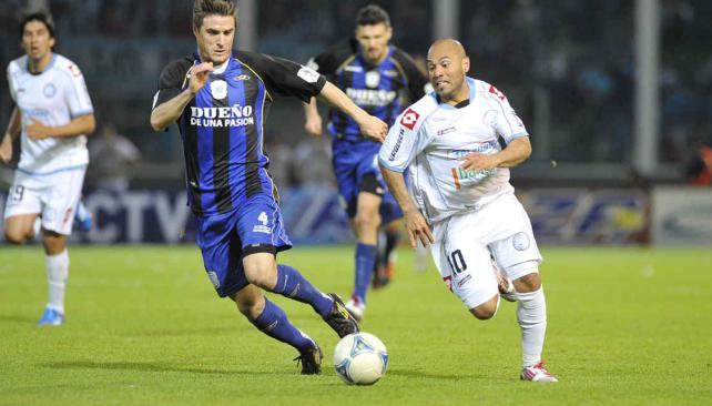 Carranza lleva convertidos tres goles en los seis partidos que jugó con la camiseta celeste. (Foto: Facundo Luque).