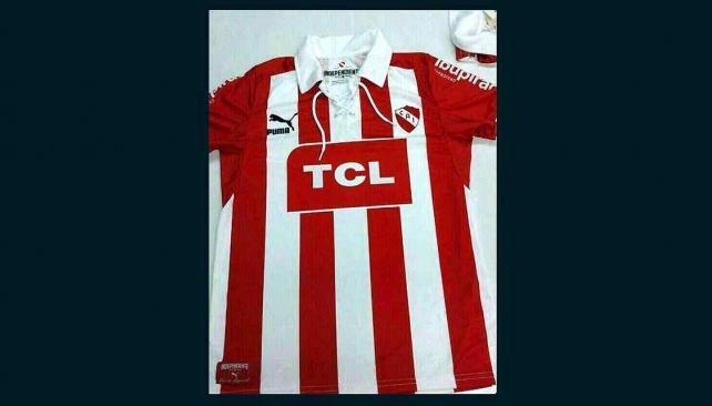 Imagen - vía Twitter- de la nueva camiseta de Independiente.