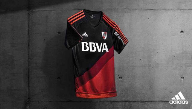 Nueva camiseta alternativa adidas de River para el 2015
