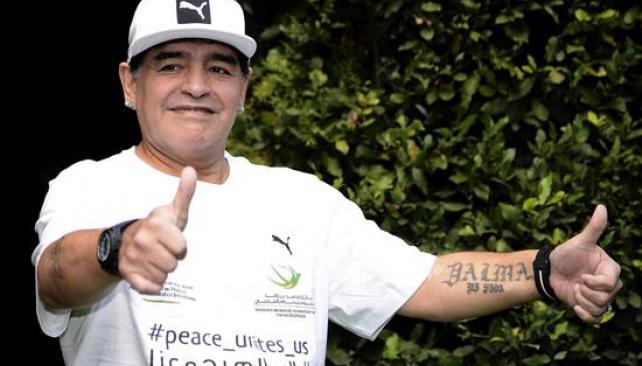 Los Maradona se entrenan juntos para el partido por la paz