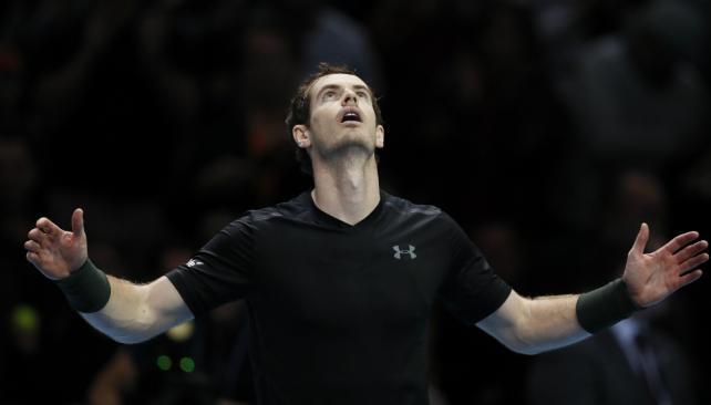 Djokovic vence a Goffin y acaba imbatido en su grupo