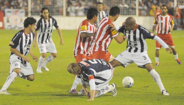 Talleres buscará cortar este domingo una racha muy negativa ante los tucumanos (Foto: Archivo / La Voz).