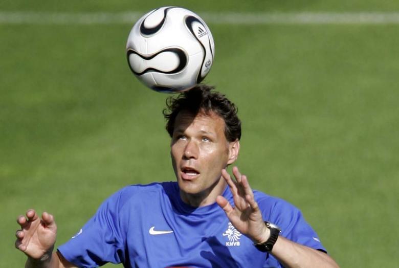 Van Basten propone revolucionar el fútbol: principales cambios de los últimos tiempos