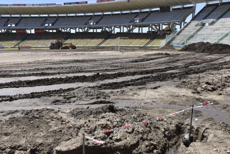 Cómo están las obras en el césped del estadio Mario Kempes