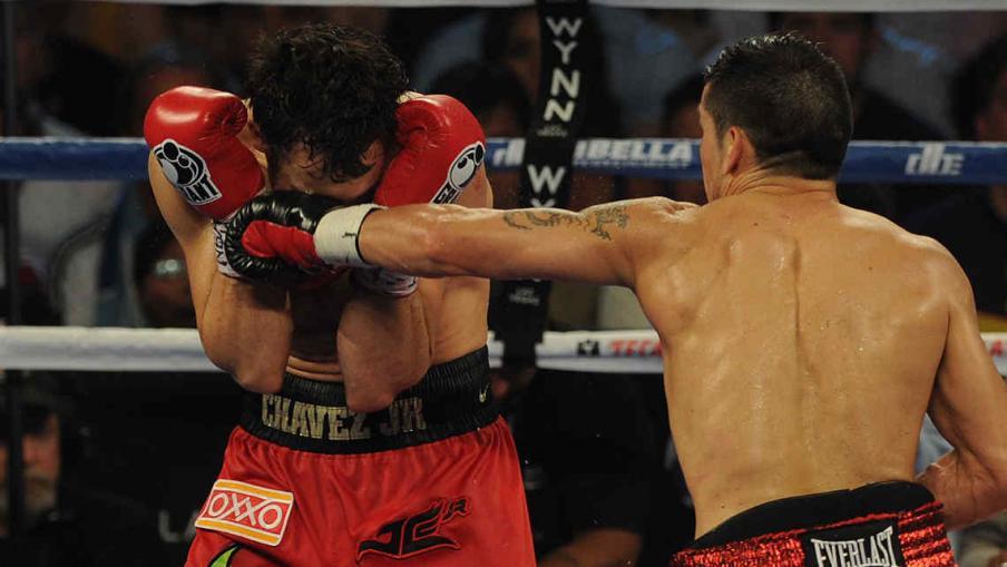 """Inolvidable. Sergio """"Maravilla"""" Martínez le ganó a Julio César Chávez en Las Vegas y se consagró, otra vez, como el Campeón Mundial del CMB. (Foto: Télam)"""