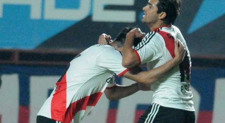 River golea a Independiente en el Monumental
