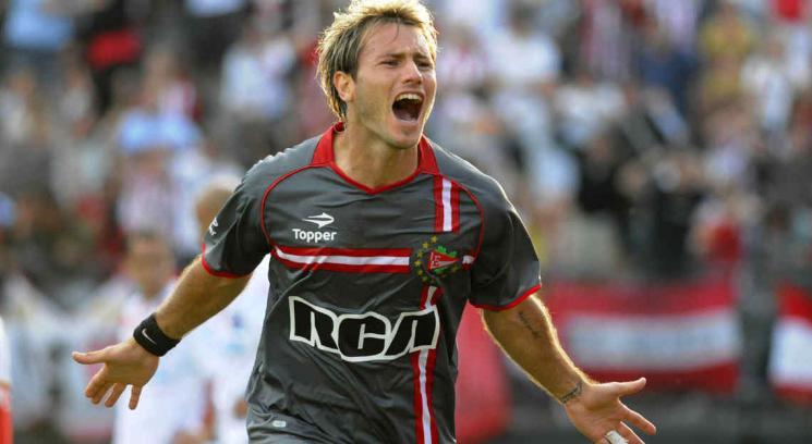Gastón Fernández podría quedar cuatro meses sin jugar (Foto: DyN).